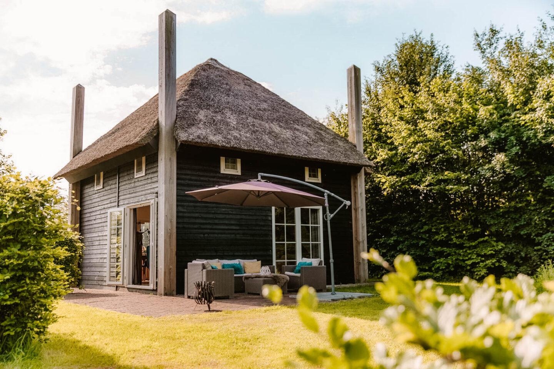 Luxe wellness huisje in Nederland in een hooiberg